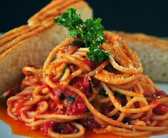 Pasta with tomato sauce PS