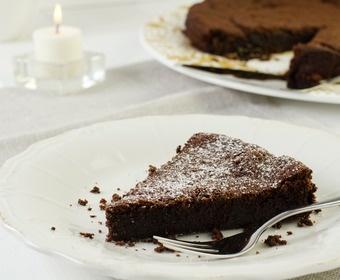 Sticky Swedish mud cake
